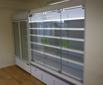 Low energy commercial refrigeration equipment